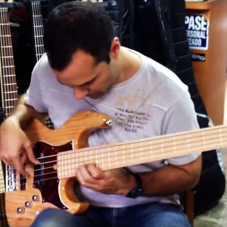 Classic Series – JJ Bass Player